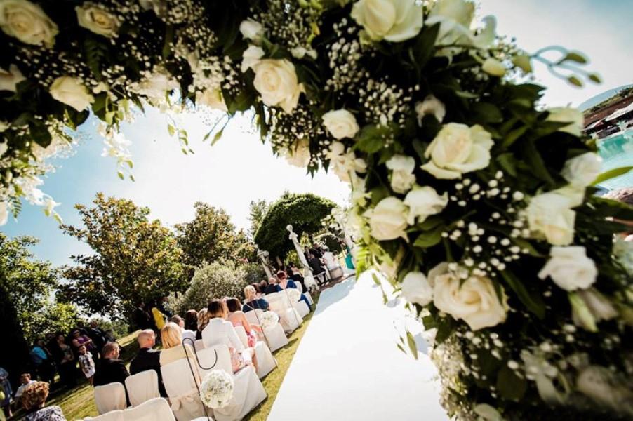 Matrimonio Civile Villa Toscana : Matrimonio civile villa finisterre location per
